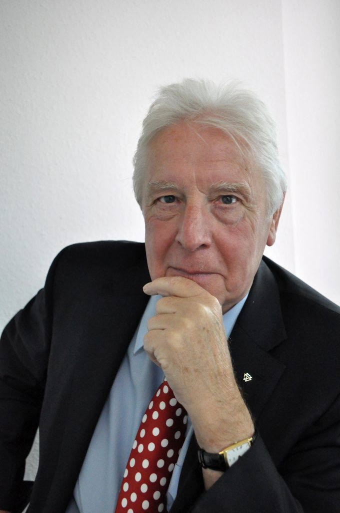 Dr. Ralf Flügge